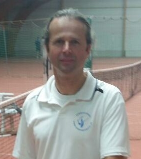 <b>Tom van Dijck</b> (52), B-instructeur tennis, klassement B+4/6.